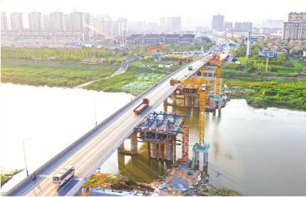 正在建设中的汊河大桥。.png